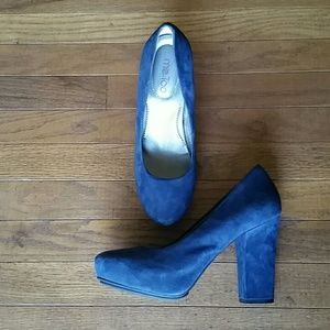 Me Too Blue Suede Shoes, Size 8.5